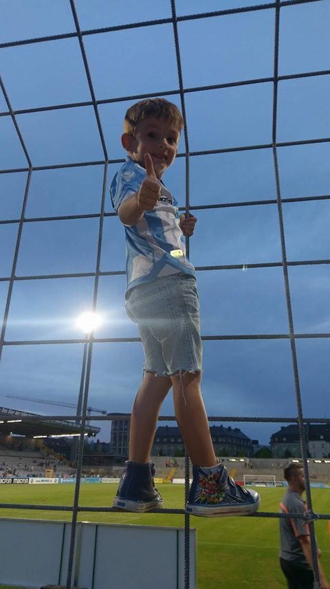 Junger Fan im Grünwalder Stadion