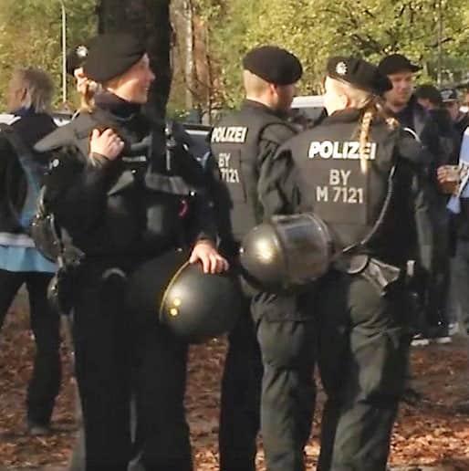 Einsatzhundertschaften der Polize