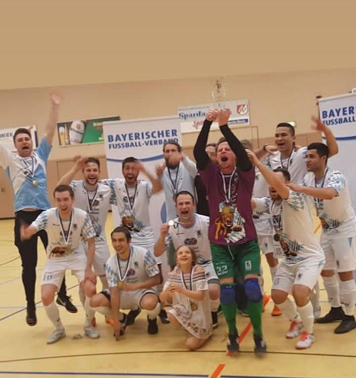 Futsallöwen feiern Pokalsieg